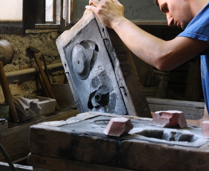 Venetian Artistic Foundry: the tradition of working brass and bronze